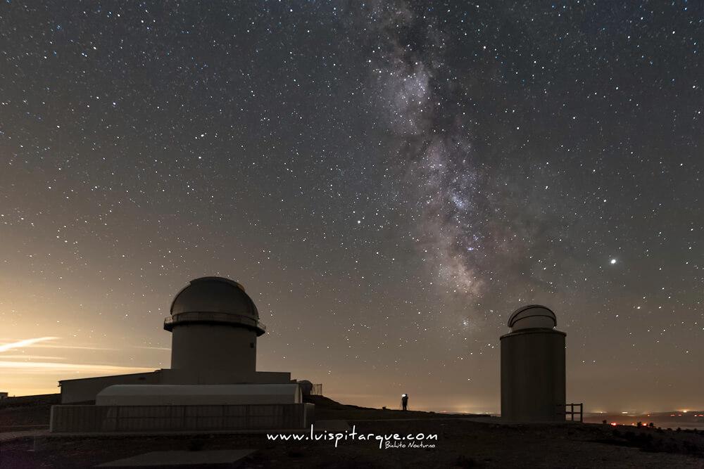 Vía láctea en el obsevatorio astrofísico de Javalambre