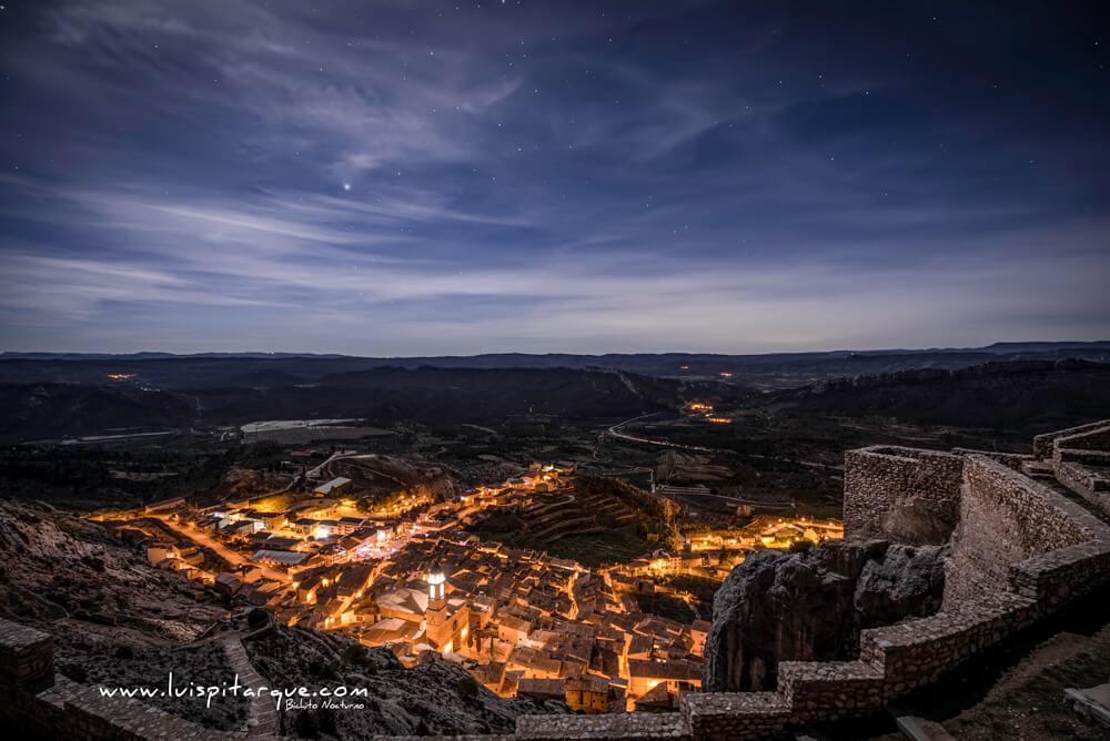 Vista nocturna de Castellote
