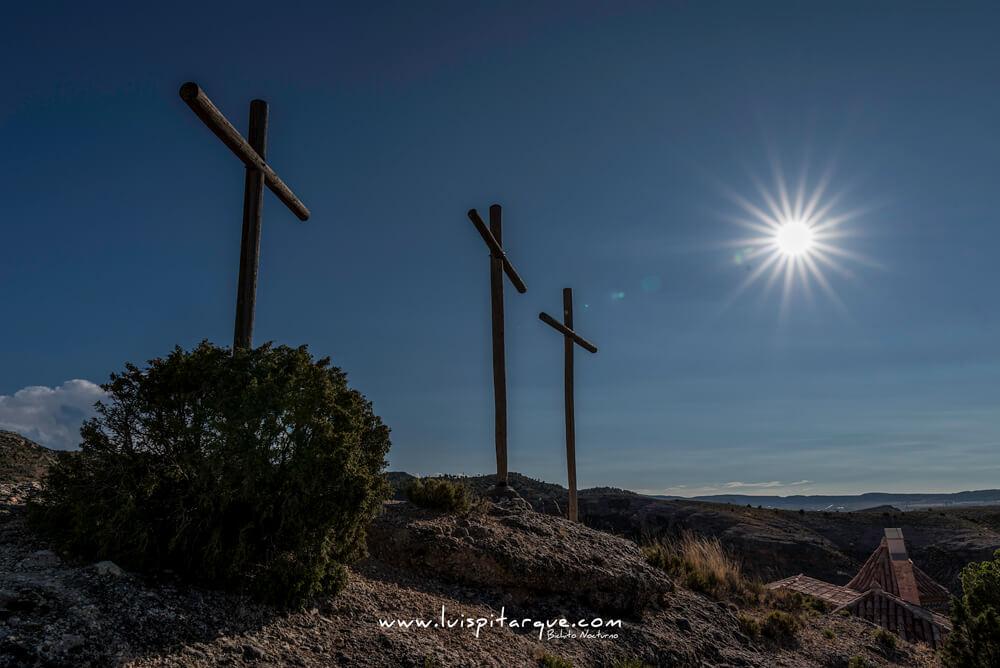 Contraluz de las cruces de Alcorisa